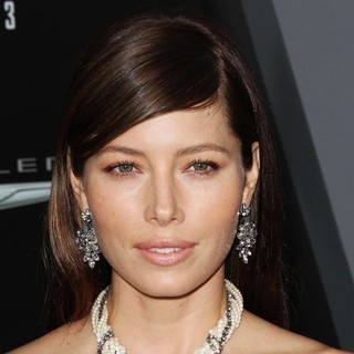 Jessica Biel in Los Angeles Premiere of Total Recall