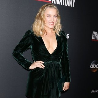 Jessica Capshaw in Grey's Anatomy 300th Episode Event