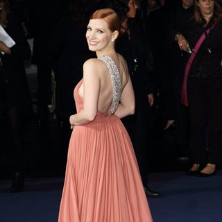 Jessica Chastain in UK Premiere of Interstellar - Arrivals - jessica-chastain-uk-premiere-interstellar-04