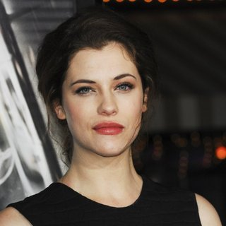 Jessica De Gouw in Premiere of Universal Pictures and Studiocanal's Non-Stop