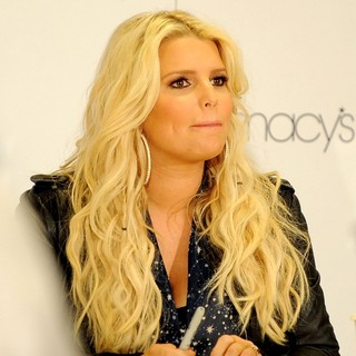 Jessica Simpson in The Simpson Sisters Attend An Autograph Signing