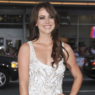 Jessica Stroup in The Los Angeles Premiere Ted - Arrivals - jessica-stroup-premiere-ted-01