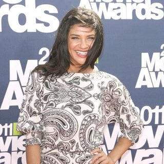 Jessica Szohr in 2011 MTV Movie Awards - Arrivals
