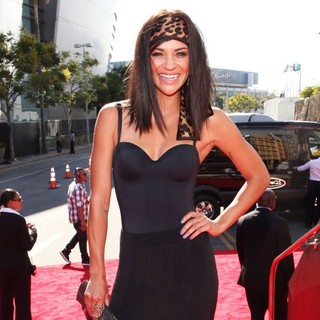 Jessica Szohr in 2012 MTV Video Music Awards - Arrivals