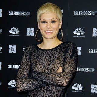 Jessie J in Christmas Lights for The Famous London High Street Are Turned on at Event Hosted by Selfridges
