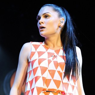 Jessie J in Jessie J Performs at The Newmarket Race Course