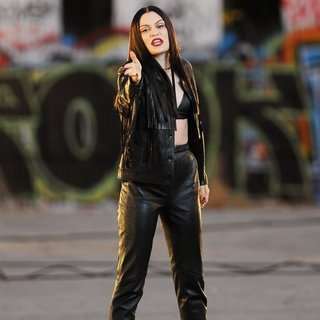 Jessie J Wearing All Black Leather for Music Video Masterpiece Filming - jessie-j-music-video-masterpiece-filming-16