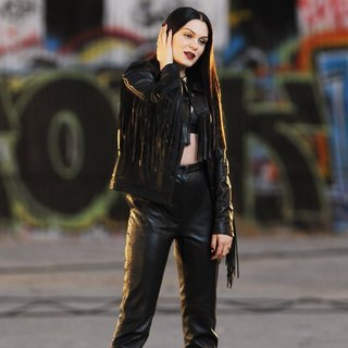 Jessie J Wearing All Black Leather for Music Video Masterpiece Filming - jessie-j-music-video-masterpiece-filming-19
