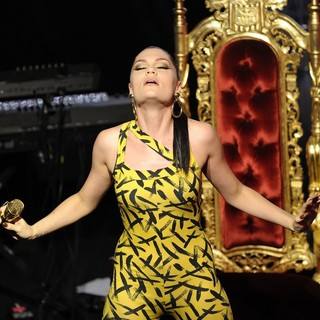 Jessie J in Jessie J Performs at The VIP Room Theatre