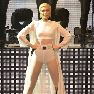 Jessie J in Jessie J Performing Live at Day 23 of The iTunes Festival