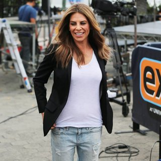 Jillian Michaels Appears on Extra