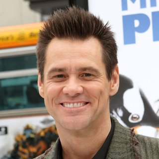 Jim Carrey in Premiere Mr. Popper's Penguins