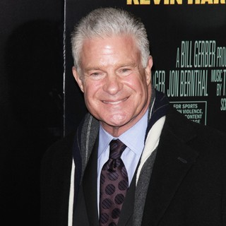 Jim Lampley in Grudge Match New York Screening - Red Carpet Arrivals