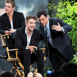 Xavier Samuel, Robert Pattinson, Jimmy Kimmel in The Twilight Saga: Eclipse Cast Make an Appearance on ABC's 'Jimmy Kimmel Live'