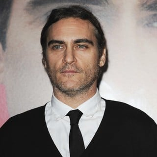 Premiere of Warner Bros. Pictures' Her - Red Carpet - joaquin-phoenix-premiere-her-01