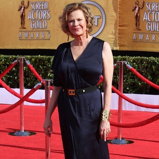 JoBeth Williams in The 18th Annual Screen Actors Guild Awards - Arrivals