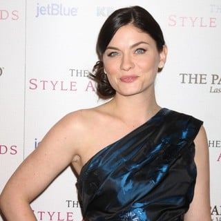 Jodi Lyn O'Keefe in The 2010 Hollywood Style Awards