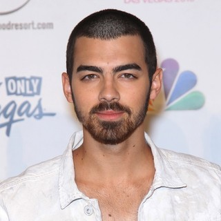 Joe Jonas, Jonas Brothers in 2013 Miss USA Pageant - Arrivals