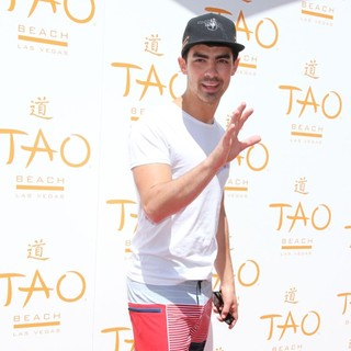 Joe Jonas, Jonas Brothers in Tao Beach Season Opening 2012
