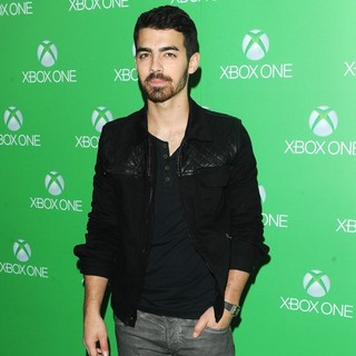 Joe Jonas, Jonas Brothers in Xbox One Official Launch Celebration - Arrivals