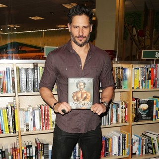 Joe Manganiello in Joe Manganiello Sign Copies of His Book