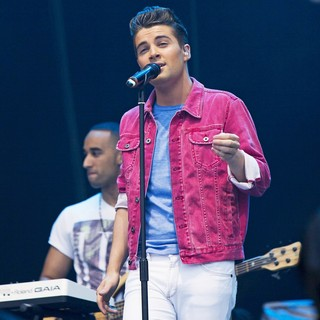 Joe McElderry in BT London Live - Performances - joe-mcelderry-bt-london-live-06