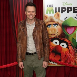 Joel McHale in The Premiere of Walt Disney Pictures' The Muppets - Arrivals