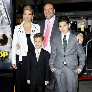 Joel Silver in Premiere of Universal Pictures and Studiocanal's Non-Stop