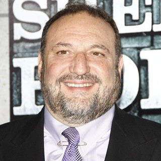 Joel Silver in Los Angeles Premiere of Sherlock Holmes: A Game of Shadows