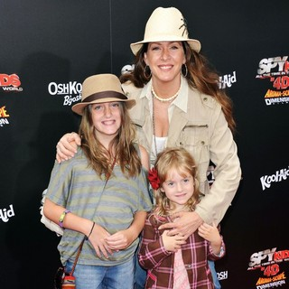 Joely Fisher in Spy Kids 4 All the Time in the World Los Angeles Premiere - joely-fisher-premiere-spy-kids-4-03