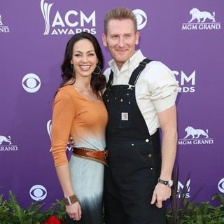 Joey + Rory in 48th Annual ACM Awards - Arrivals
