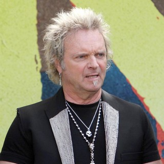 Joey Kramer, Aerosmith in Aerosmith Announce Their New Global Warming Tour