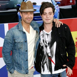 Joey Lawrence, Andrew Lawrence in The Los Angeles Premiere of Cars 2 - Arrivals