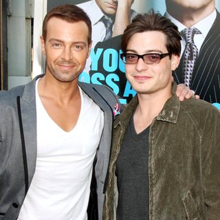 Joey Lawrence, Andrew Lawrence in The Los Angeles Premiere of Horrible Bosses - Arrivals