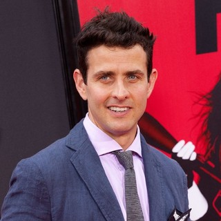 Joey McIntyre, New Kids On The Block in New York Premiere of The Heat - Red Carpet Arrivals