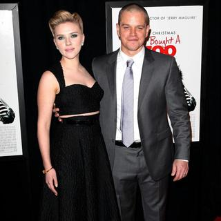 Scarlett Johansson, Matt Damon in New York Premiere of We Bought a Zoo - Arrivals