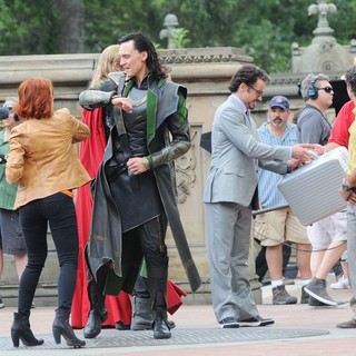 Scarlett Johansson, Tom Hiddleston, Chris Hemsworth, Robert Downey Jr., Mark Ruffalo in Actors on The Set of The Avengers Shooting on Location in Manhattan