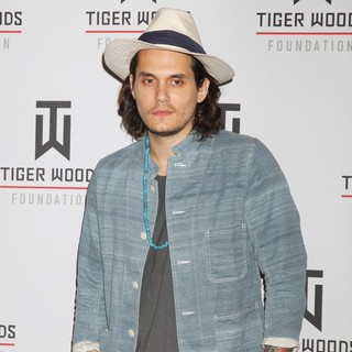 John Mayer in 2011 Tiger Jam at Mandalay Bay Events Center - Performance - john-mayer-2011-tiger-jam-01