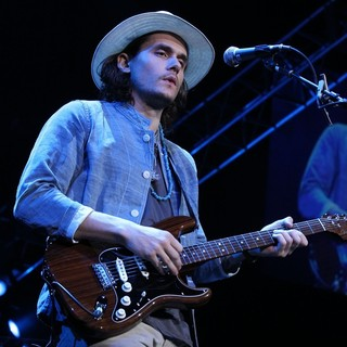 John Mayer in 2011 Tiger Jam at Mandalay Bay Events Center - Performance - john-mayer-2011-tiger-jam-04