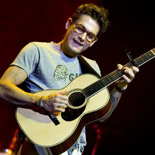 John Mayer Performs as Part of Born and Raised World Tour - john-mayer-born-and-raised-world-tour-01