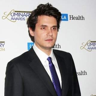John Mayer in UCLA Head and Neck Surgery Luminary Awards - john-mayer-ucla-head-and-neck-surgery-luminary-awards-03