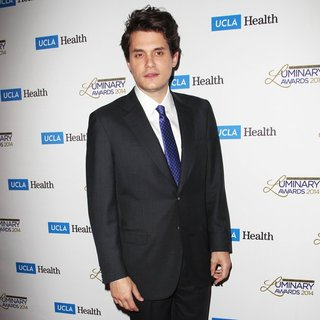 John Mayer in UCLA Head and Neck Surgery Luminary Awards - john-mayer-ucla-head-and-neck-surgery-luminary-awards-05