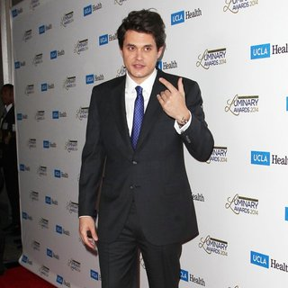 John Mayer in UCLA Head and Neck Surgery Luminary Awards - john-mayer-ucla-head-and-neck-surgery-luminary-awards-06