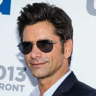 John Stamos in 2013 USA Network Upfronts - Arrivals