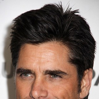 John Stamos in 30th Annual PaleyFest - The New Normal - john-stamos-30th-annual-paleyfest-01
