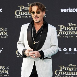 Johnny Depp - The Los Angeles Premiere of Pirates of the Caribbean: Dead Men Tell No Tales - Arrivals