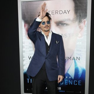Johnny Depp in Los Angeles Premiere of Warner Bros. Pictures and Alcon Entertainment's Transcendence