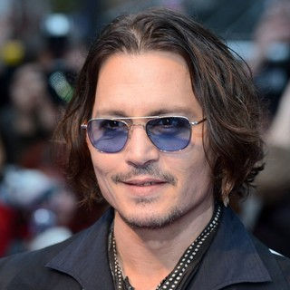 Johnny Depp in UK Premiere of Dark Shadows - Arrivals - johnny-depp-uk-premiere-dark-shadows-02