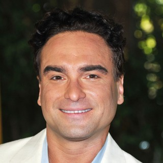Johnny Galecki in The 2011 Hollywood Foreign Press Association Luncheon - Arrivals