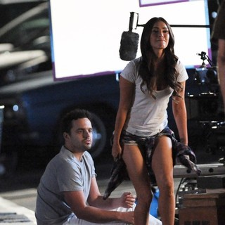 Megan Fox Filming New Girl with Jake Johnson
